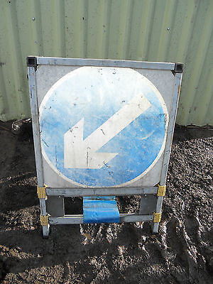 PLASTIC Free STANDING Highway A-BOARD ROADSIGN Road Sign - ONE WAY THIS WAY Blue