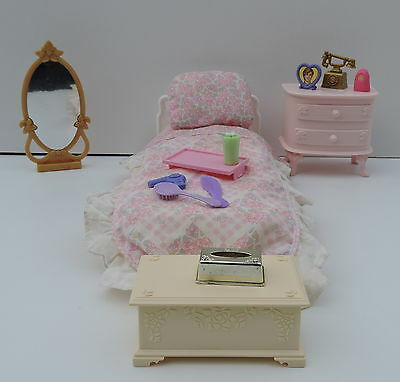 Vintage Barbie Doll House bedroom Furniture Set pink  with Extras good conditio