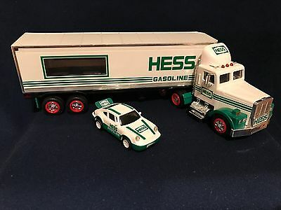 HESS Toy Truck- 1992 - 18 Wheeler and Race Car