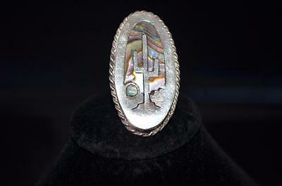 A Ladies Mexican Sterling Silver and Abalone Inlay Ring Size 7
