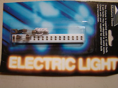 Dollhouse Electric Lighting Petite Outlet Power Strip, Fuse and Switch MH44008