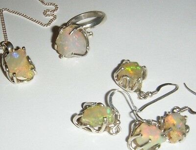 Superb Set Vintage Opal & Silver Earrings Necklace Pendant & Ring Set - Natural