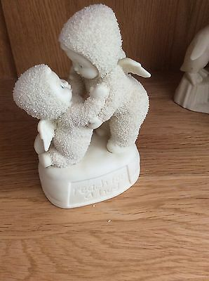 Snowbabies Department 56 'Reach for a Hug' 56.69303 D56 INX, 2002 RETIRED