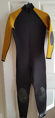 Mens/teens Full Length Warm Crew Saver Wetsuit Size Medium Chest 34-36 Inches