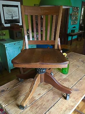 Antique Vintage Oak Bankers Chair Library Court Room Lawyers Swivel Office