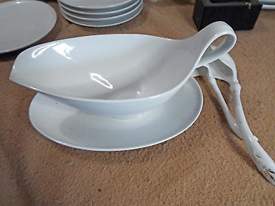 Heinrich H & C ANMUT WHITE Gravy Boat with attached plate