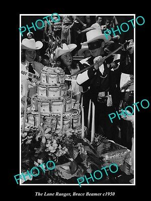 OLD HISTORIC PHOTO OF BRACE BEEMER AS THE LONE RANGER CUTTING CAKE c1950