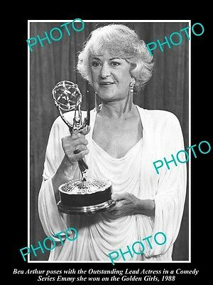 Old Large Historic Photo Of Bea Arthur Winning Her Emmy Award 1988, Golden Girls