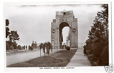 """ Leicester  --War Memorial , Victoria Park "" Vintage Real Photo Postcard."