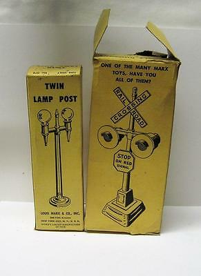 Lot Of 2 Louis Marx & Co Train Set Accesories Lamp Post #078 Crossing Flash #421