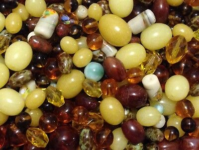 Collection of 400 Vintage Beads