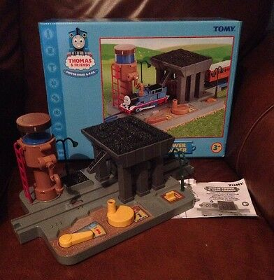 THOMAS & FRIDNDS MOTOR ROAD & RAIL.  WATER TOWER & COAL LOADER. Boxed