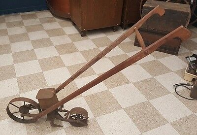 Antique Planet jr #4 seeder complete with handles