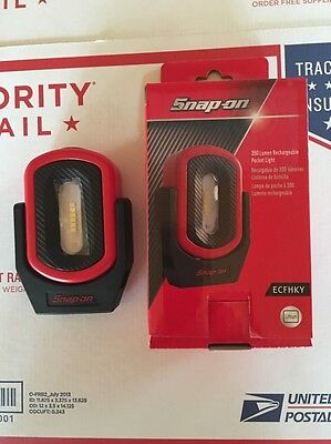 New Snap On Red 350 Lumen Rechargeable Mini Shop Light