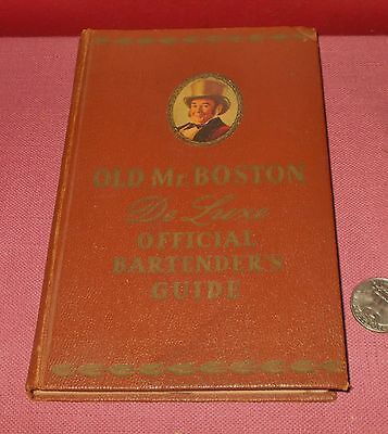 1957 Old Mr. Boston Deluxe Official Bartenders Guide