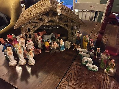 ANTIQUE Vintage CHRISTMAS RELIGIOUS NATIVITY SET 32 PS CHALKWARE plaster dog