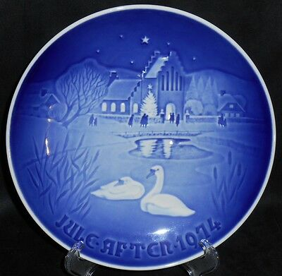 "Bing & Grondahl B&G 1974 Plate ""Christmas In The Village"" - #9074"