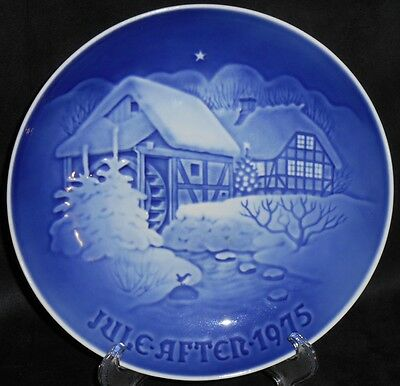 "Bing & Grondahl B&G 1975 Plate ""Christmas At The Old Water Mill"" - #9075"