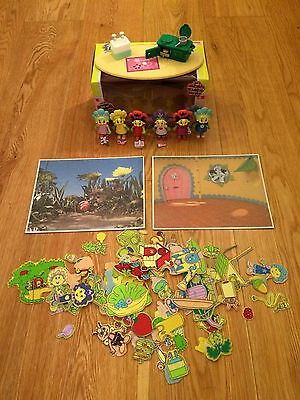 Children's Fifi Sticky Felt Set, Cook and Clean Playset and Figurines Bundle