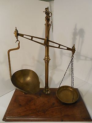 LATE 1800's W & T  AVERY SCALE FROM ENGLAND GOLD - APOTHECARY - PHARMACY SCALE