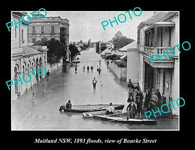 OLD LARGE HISTORIC PHOTO OF MAITLAND NSW, VIEW OF BOURKE St FLOODED c1893