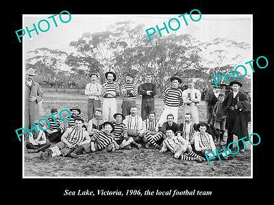 OLD LARGE HISTORIC PHOTO OF  SEA LAKE VICTORIA, THE LOCAL FOOTBALL TEAM c1906