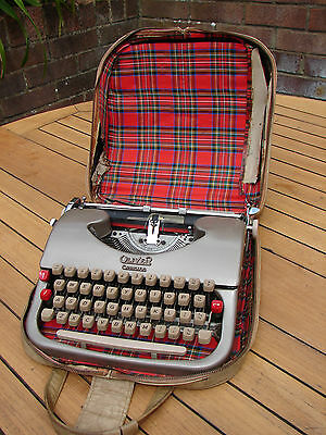 Oliver Courier Typewriter Portable Manual 1950s Case + Key Perfect Global Ship