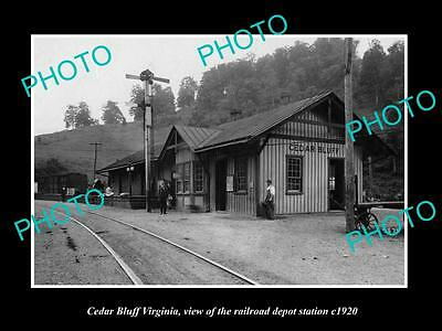OLD LARGE HISTORIC PHOTO OF CEDAR BLUFF VIRGINIA, RAILROAD DEPOT STATION c1920