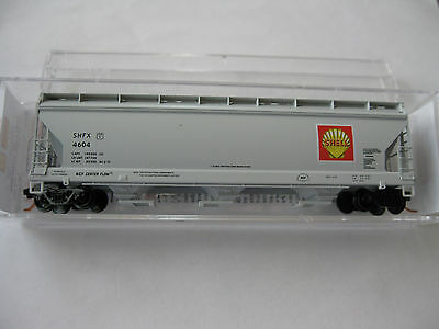 Micro-Trains #09400210 Shell Oil Company 3-Bay Covered Hopper #4604 N-Scale