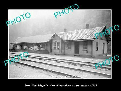 OLD LARGE HISTORIC PHOTO OF DAVY WEST VIRGINIA, THE RAILROAD STATION c1930