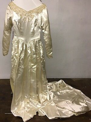 Vintage 1960s Embroidered Satin Wedding Dress Size 8 Maurice Original Veil Long