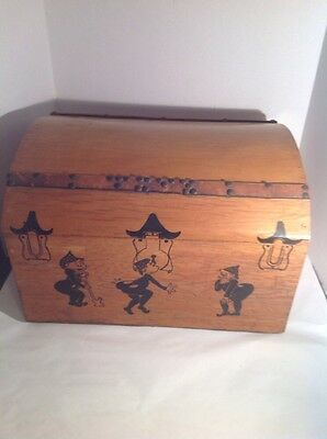 Antique Vintage TOY BOX WOOD WOODEN CHEST Treasure Chest