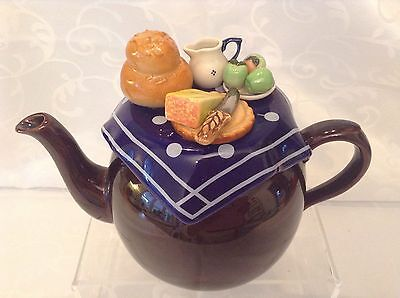 Cardew Collectable Novelty Large Betty Teapot Ploughmans Lunch Perfect Condition