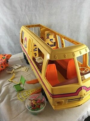 VINTAGE 1976 BARBIE STAR TRAVELER RV MOTORHOME With Accesories
