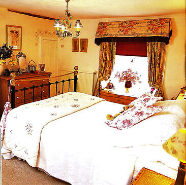 Traditional, iron and brass Victorian style bedstead