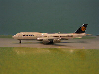 Herpa Wings Lufthansa 747-8I 1:500 Scale Diecast Metal Model