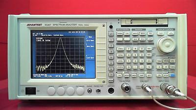 Spectrum Analyzer, R3267  WITH TRACKING GENERATOR 100 Hz to 8 GHz s/n 110203628