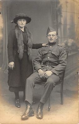 Military Postcard WW1 Soldier With Sweet Heart ? Family ? E0 055