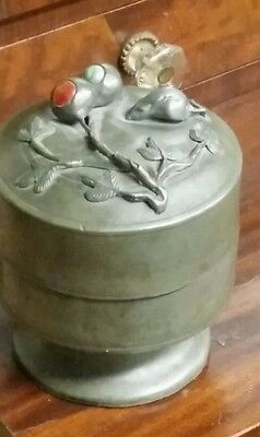 Decorative  Pewter Tea Leaf Caddy w/Flowers an Mouse on lid