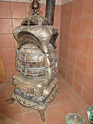 Rare 1904 Favorite Large Ornate Parlor Wood Burning Stove