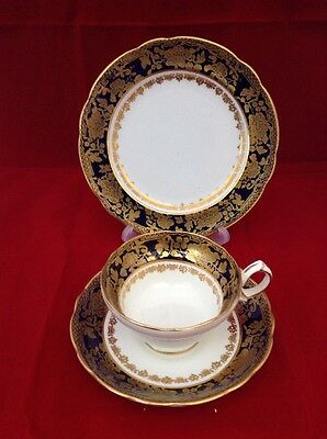 VINTAGE 1930's HAMMERSLEY COBALT BLUE AND GOLD TEA CUP SAUCER & SIDE PLATE TRIO