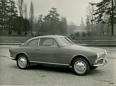 Alfa Romeo Giulietta Sprint  Original Press Photograph 2