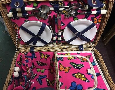 Sandringham 4 Person Deluxe Wicker Picnic Basket with Accessories & Chiller Bag