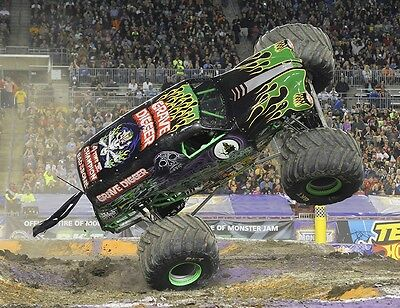 Grave Digger Monster Truck Monster Jam High Quality 8X10 Photo Picture Wow!