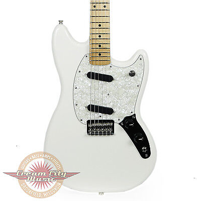 Fender Mustang with Maple Fingerboard in Olympic White Demo Model
