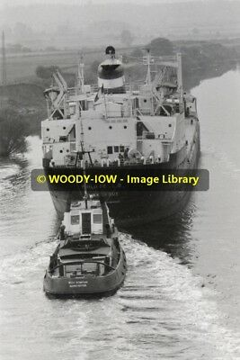 rp11996 - French Cargo Ship - Philippe L D in Manchester Ship Canal - photo 6x4
