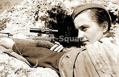 WW2 Picture Photo Russian Pavlichenko with her Mosin-Nagant sniper rifle 1336