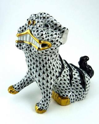 HEREND 6-inch HUNGARIAN BLACK AND WHITE FISHNET FOO DOG MINT