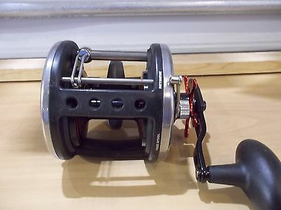 Penn Defiance 40LW conventional reel new off combo
