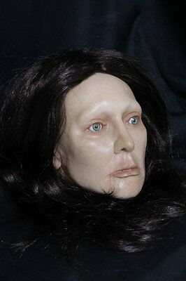 Life Size Femal Head - Halloween Prop & Decoration - The Walking Dead Corpse